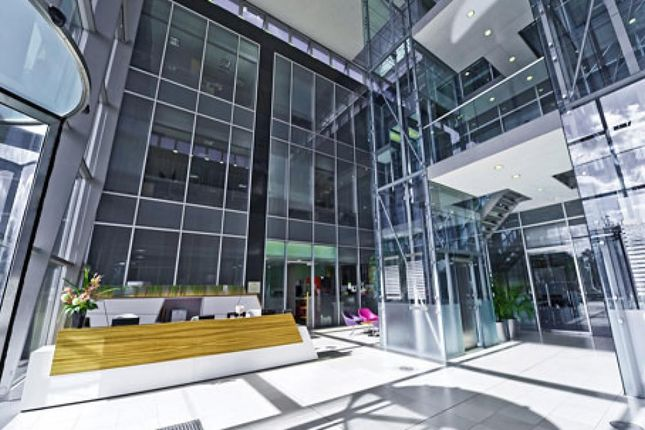 Thumbnail Office to let in Westgate Retail Park, Bath Road, Slough
