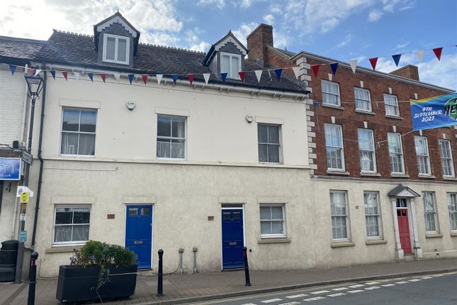 2 bed town house to rent in Broad Street, Newent GL18