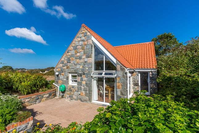 Thumbnail Cottage for sale in Icart Road, St. Martin, Guernsey