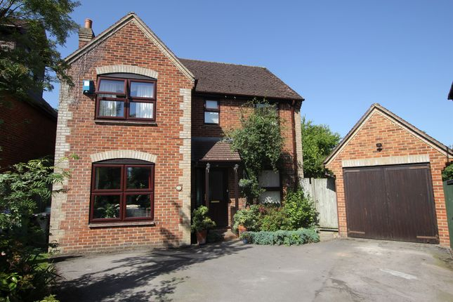 Thumbnail Detached house for sale in Robert Sparrow Gardens, Crowmarsh Gifford, Wallingford