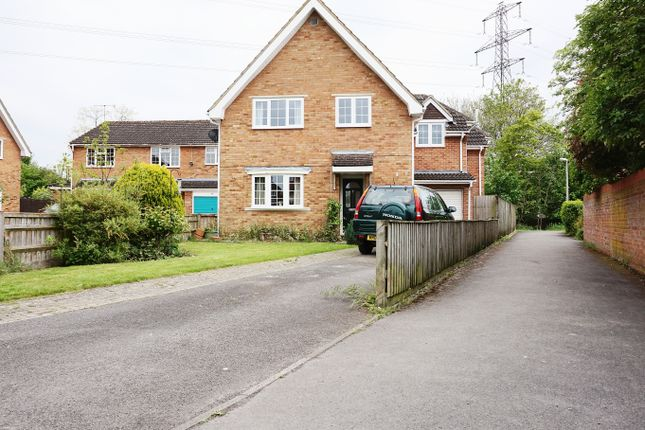 Thumbnail Detached house for sale in Mellow Ground, Swindon