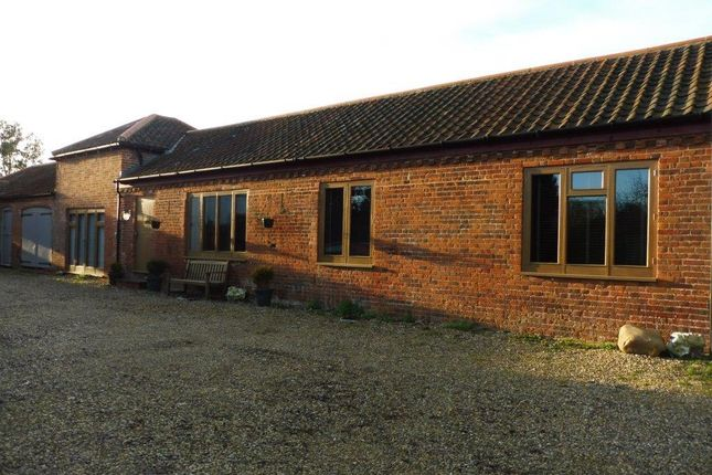 Thumbnail Barn conversion to rent in Aylsham Road, Felmingham, North Walsham