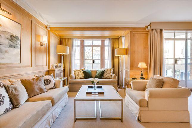 Flat to rent in Cadogan Place, Knightsbridge, London