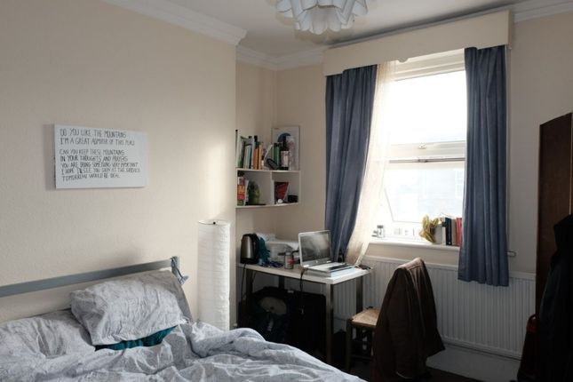 Thumbnail Room to rent in Stoke Newington High Street, London