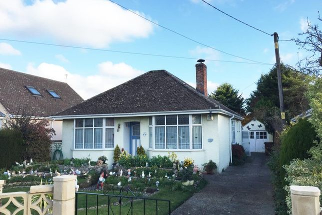 Detached bungalow in  Dry Sandford  Oxfordshire O Oxford