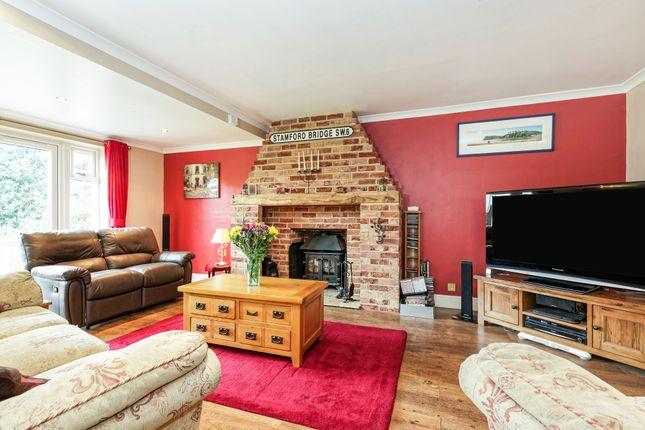 Lounge of Sturry Hill, Sturry, Canterbury, Kent CT2