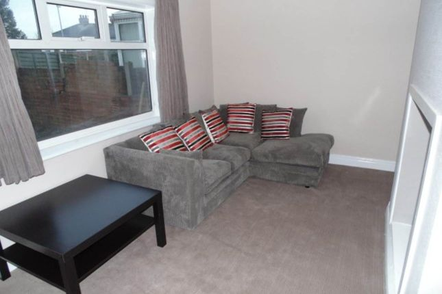 Thumbnail Shared accommodation to rent in Tinshill Lane (Room 4), Horsforth, Leeds