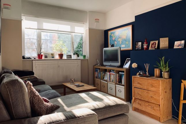 Thumbnail Flat to rent in Clevedon Court, Clive Road, West Dulwich, London