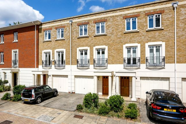 Thumbnail Terraced house to rent in Cambridge Road, Twickenham