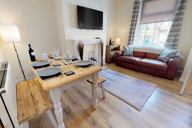 Thumbnail Flat to rent in Westminster Place, Bradford