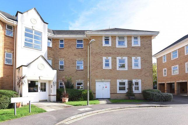 2 bed flat to rent in International Way, Sunbury TW16