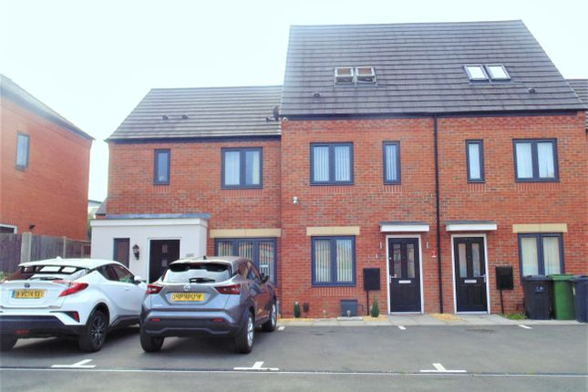 Thumbnail Town house for sale in Detling Drive, Wolverhampton
