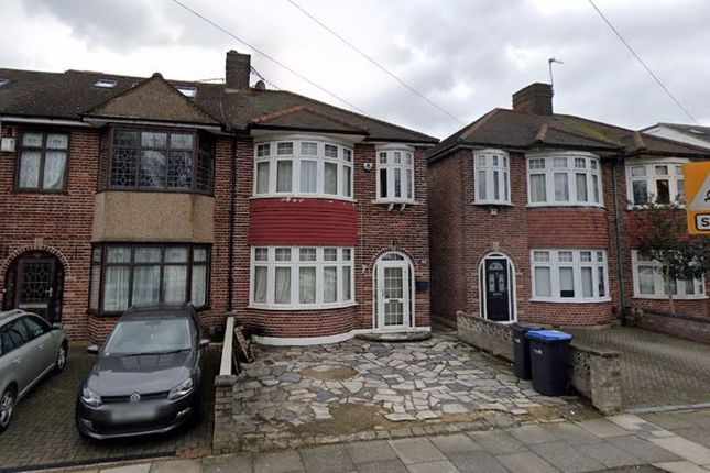 Thumbnail Terraced house for sale in Windmill Road, Edmonton