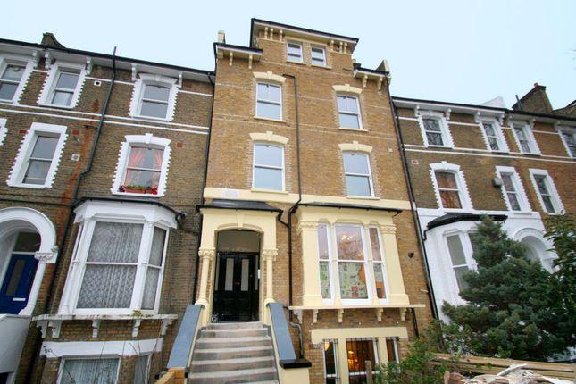 Flat to rent in 167 Amhurst Road, Hackney, London