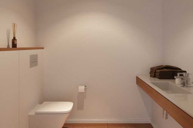 Ensuite of Lord Clyde View, Chatham ME4