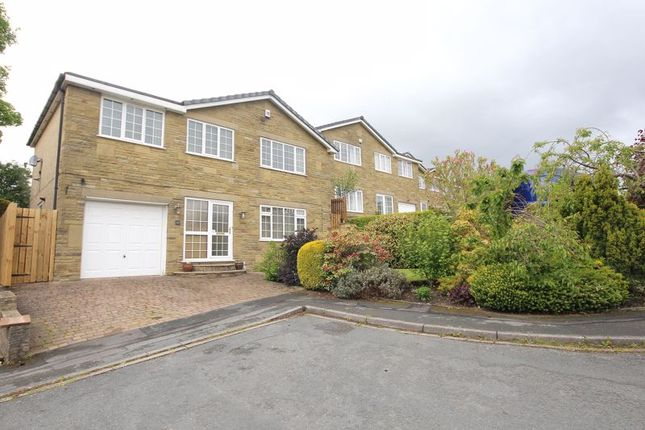 4 bed detached house to rent in Chelsea Mansions, Northowram, Halifax HX3