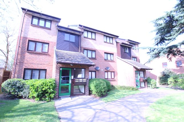 Thumbnail Flat for sale in Alders Close, Wanstead