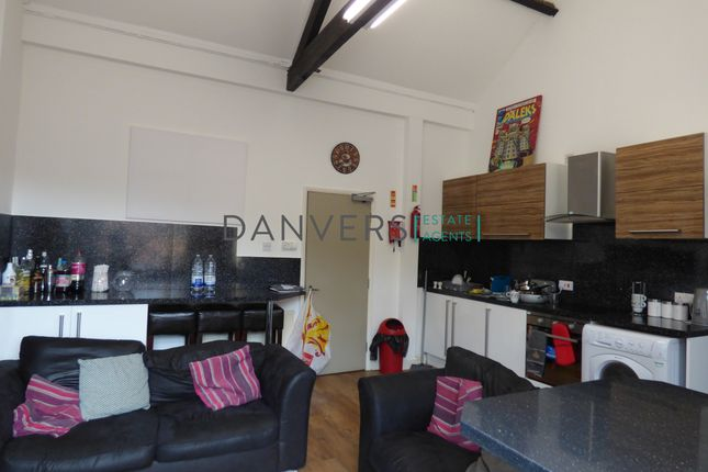 Thumbnail Shared accommodation to rent in Regent Road, Leicester