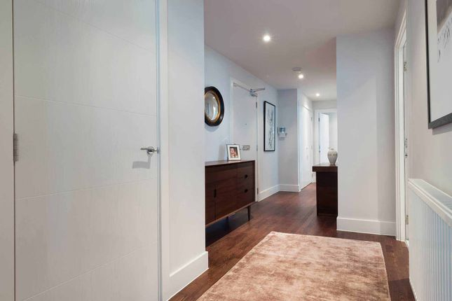 Spacious Hallway of Logie Green Road, Edinburgh EH7