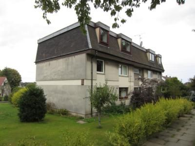 Thumbnail Flat to rent in Berrywell Gardens, Top Floor Left
