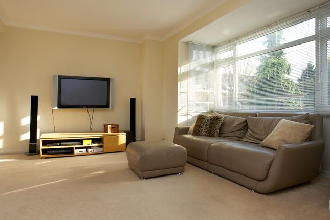 Thumbnail Town house to rent in Walkerscroft Mead, London