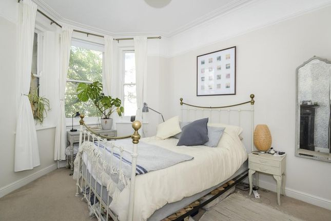 Bedroom of Mowll Street, London SW9
