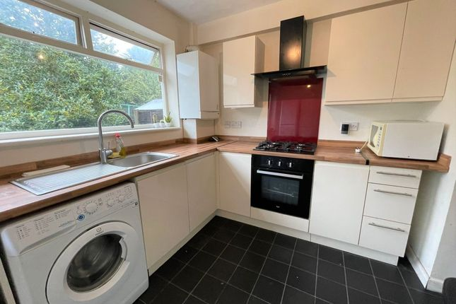 Thumbnail Terraced house to rent in Ashurst Drive, Ilford