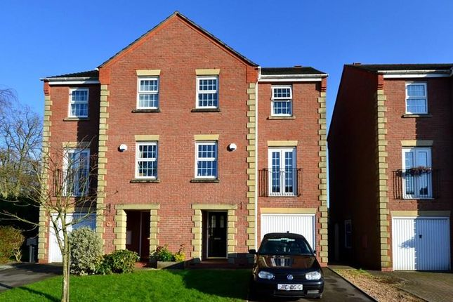 4 bed semi-detached house for sale in Tower Drive, Woodland Grange, Bromsgrove