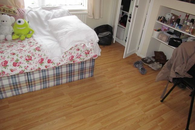 Thumbnail Semi-detached house to rent in Addington Road, Reading