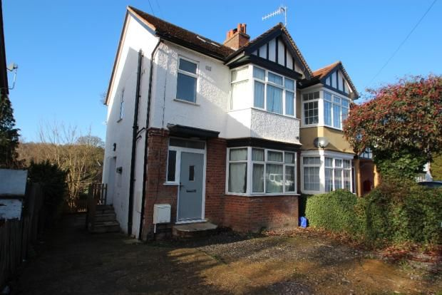 Thumbnail Shared accommodation to rent in Hughenden Road, High Wycombe