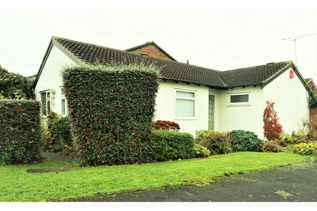 Thumbnail Detached bungalow for sale in Hathaway Drive, Warwick