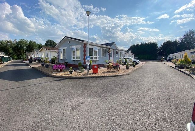2 bed mobile/park home for sale in Cleobury Road, Rock, Kidderminster DY14