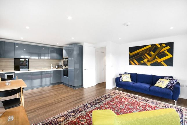 1 bed flat for sale in Beacon Tower, 1 Spectrum Way, London SW18