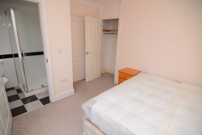 Room to rent in Rigden Street, London
