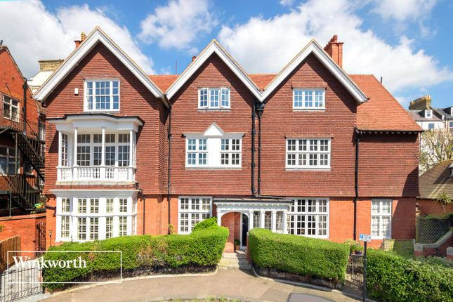 Thumbnail Flat for sale in Grand Avenue, Hove, East Sussex