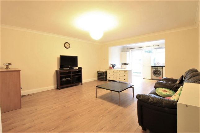 Thumbnail Detached house for sale in Great West Road, Heston/Hounslow