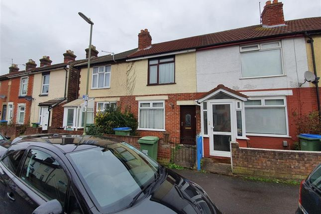 Thumbnail Terraced house to rent in Gordon Road, Fareham