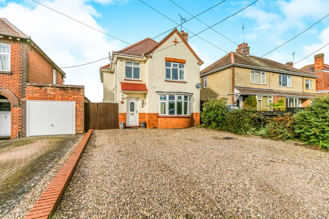 Thumbnail Detached house for sale in London Road, Raunds, Wellingborough