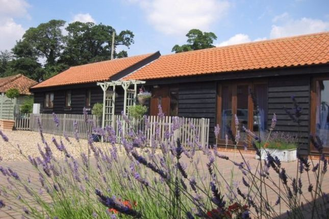 Thumbnail Barn conversion to rent in Russell Green, Wilby, Eye