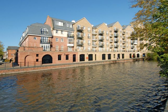 Thumbnail Flat to rent in Fobney Street, Reading