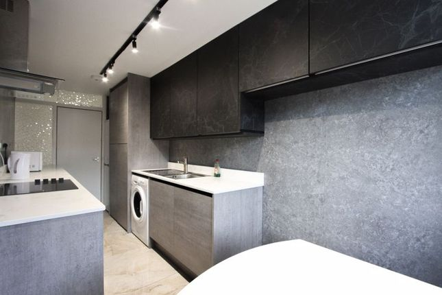 Thumbnail Flat to rent in Hampshire Court, Upper St. James's Street, Brighton