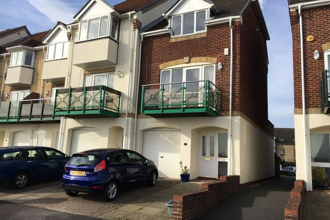 Thumbnail Town house to rent in Pacific Close, Ocean Village Southampton