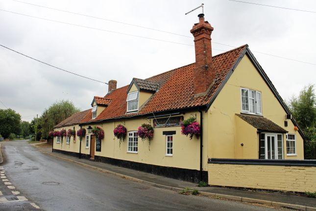 Thumbnail Restaurant/cafe for sale in West Road, Haconby, Bourne