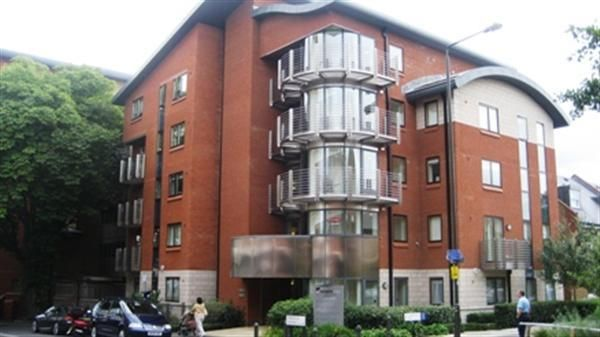 Thumbnail Flat to rent in The Courtyard, 9 Francis Grove, Wimbledon