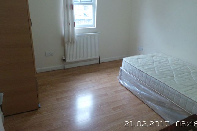 Thumbnail Terraced house to rent in Ratcliff Road, Romford