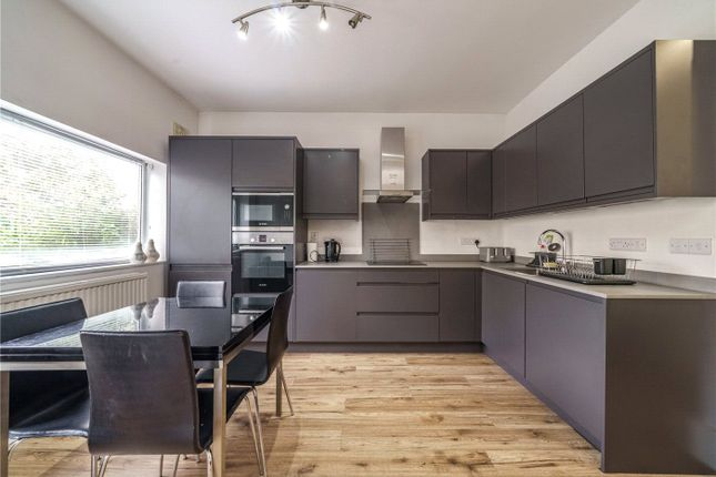 3 bed flat for sale in Barry Road, East Dulwich, London SE22