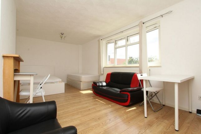 Room to rent in Anne Street, West Ham