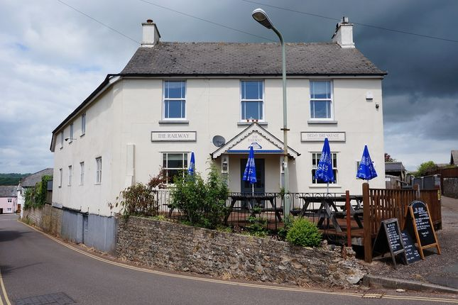 Thumbnail Pub/bar for sale in Queen Street, Honiton