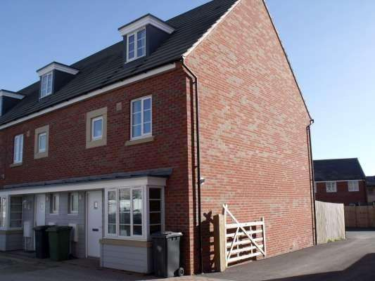 Thumbnail Town house to rent in Daisy Drive, Hampton, Peterborough