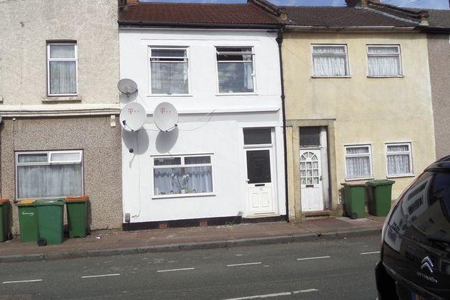 Thumbnail Flat for sale in Buckingham Road, London
